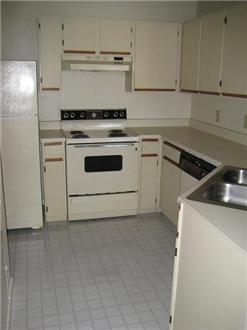 Kitchen-Traditional Unit
